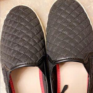 Girls Slip on Sneakers!